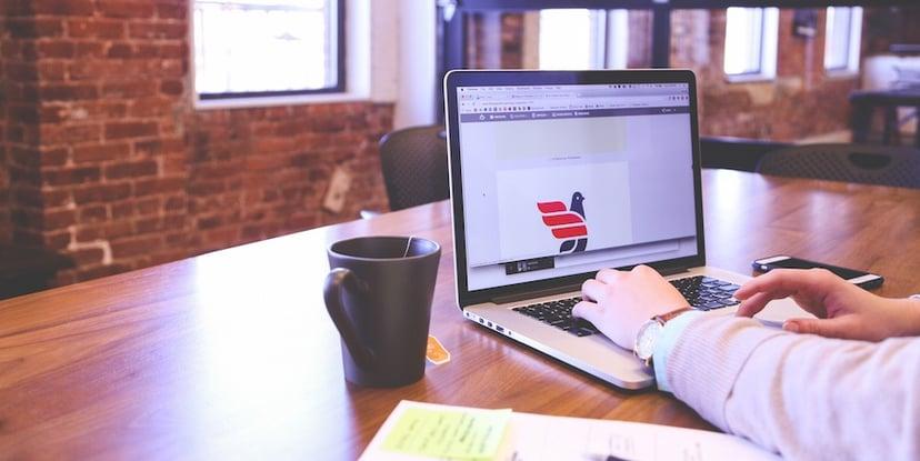 worker-on-laptop